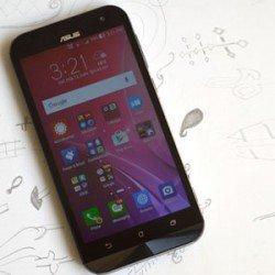 Asus Zenfone Zoom smartphone